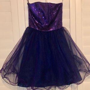 NWT! UN DEUX TROIS purple tulle strapless dress 💜